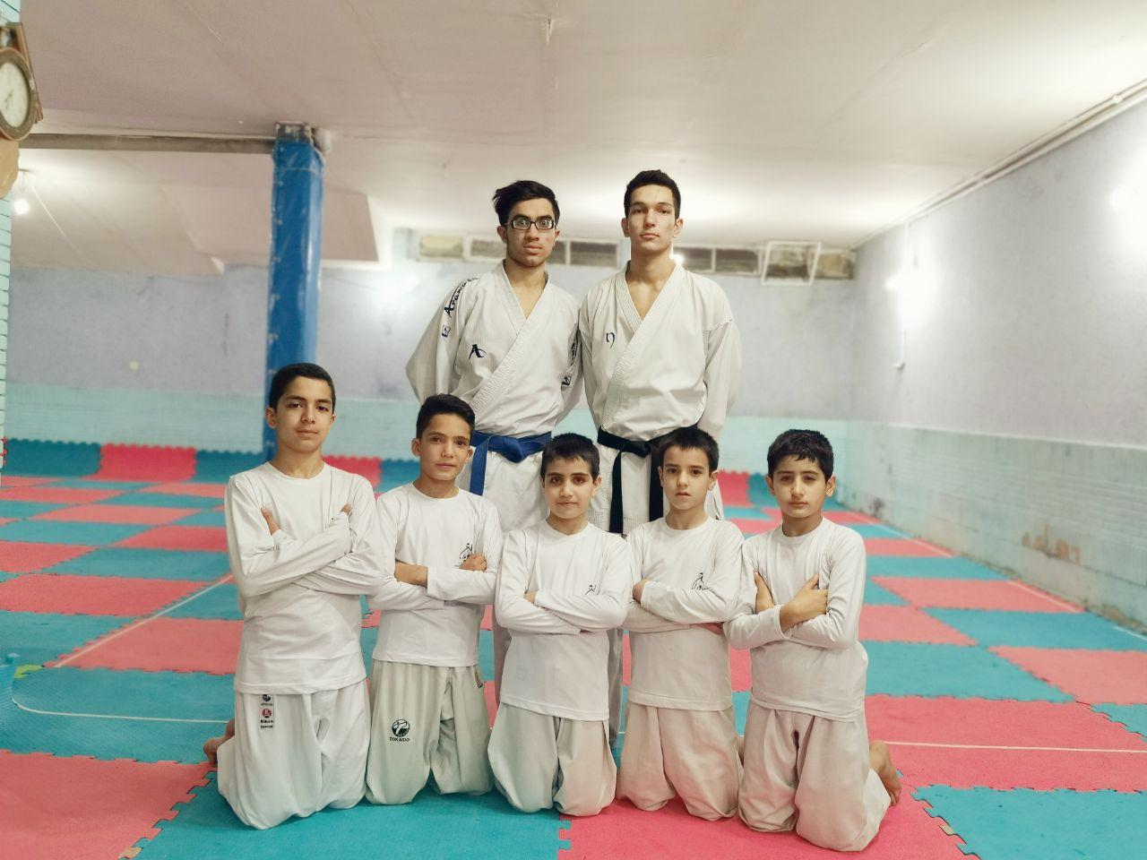 تیم جوانه های جاویدان در لیگ کاراته استان
